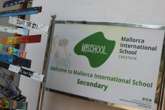 secondary-sign